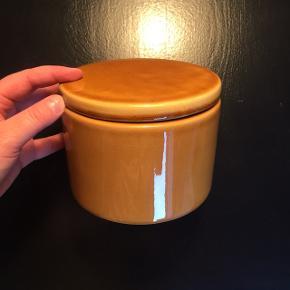 Krukke | lågkrukke fra Broste Copenhagen  H: 11 cm Ø: 15 cm  Nypris: 120 Aldrig brugt Prisen er fast