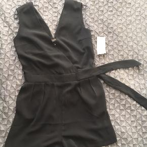 Too small for me, bought and few moths after couldn't get in. Size 34. Never used from Reserved