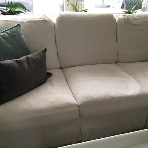 Super skønne Ektorp sofaer med cremefarvet hørbetræk sælges. Fremstår fine men betræk skal lige vaskes. Kan ses og afhentes i Farum. En 3+2 personers .