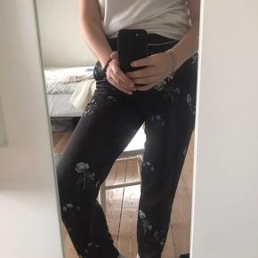 Bukser købt på NA-KD Skriv for flere billeder eller mere info🥰