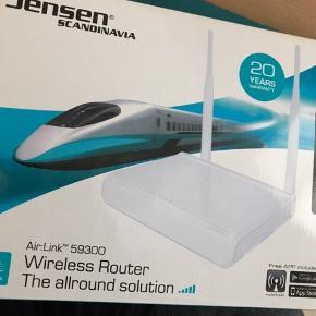 """Wireless router af mærket """"Jensen Scandinavia"""" næsten ikke brugt. Fejler intet. Sælges grundet flytning.  Byd gerne."""
