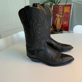 Vintage cowboy støvler i læder. Passer en størrelse 37