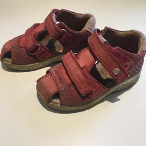 Ecco sandaler str.24. Brugt til et barn. Minimal slid på sål.