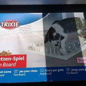 Helt nyt aktivitetscenter til kat. Ikke brugt. Sælger det for min søster der desværre mistede sin kat 😢