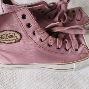 Von Dutch sneakers