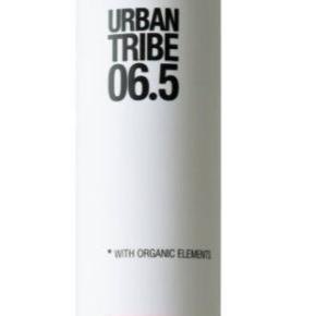 Helt ny Urban Tribe 06.5 sea water spray. NP 169 kr. NU 50 kr. Sender gerne på købers regning.