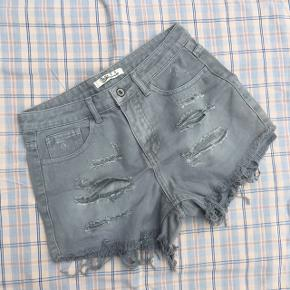 Shorts. #30dayssellout