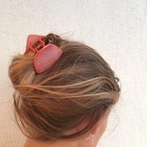 Minder om Pico eller Sui ava hårpynt 🍈🍡🍬   Øreringe sælges også ☁️