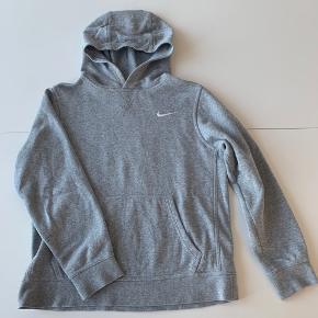 Fed grå hoodie fra Nike  Str. 147 - 158 cm