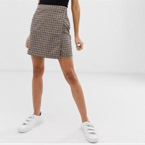 Populær slå om nederdel fra ICHI. Fejler intet