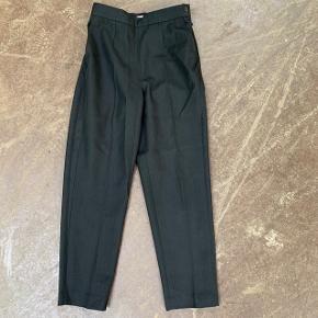 Bukser fra H&M i str. 36 🌷  Nypris: 600 kroner 💸