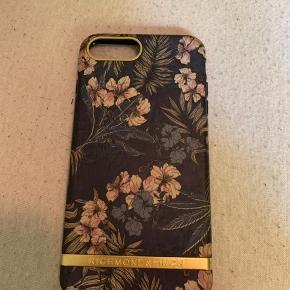 Cover til iphone 7+ det er brugt i et par måneder, men ingen skræmmer