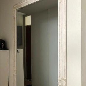 ILVA figur spejl sælges sælges for 350 Spejlet er i Ølstykke kan leveres for 50kr :)