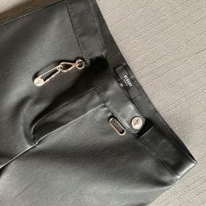 Lækre læder bukser fra Versace:))