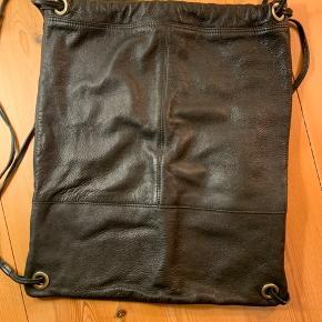 Taske i skind