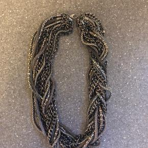 PIECES halskæde