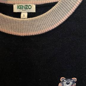 Kenzo sweater. Brugt meget få gange