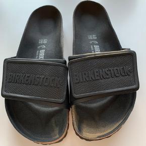 Den nye birkenstok med læder fodseng. Bred fod. Unisex. Str. 40 (41). 100% ny. Bytter ikke. Mobilpay.