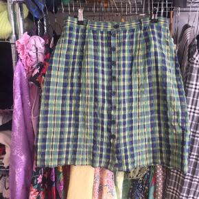 Sommerlig nederdel str 40, men passer en str medium ☀️