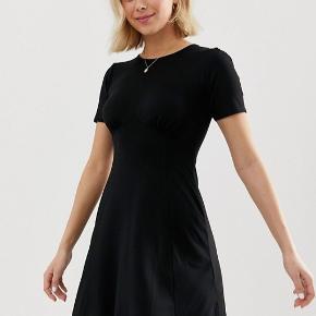 Sort kjole. Aldrig brugt.