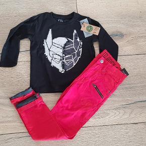 Helt  nyt sæt tøj til dreng str 104. Batman bluser og Ricks bukser Samlet pris 100dk