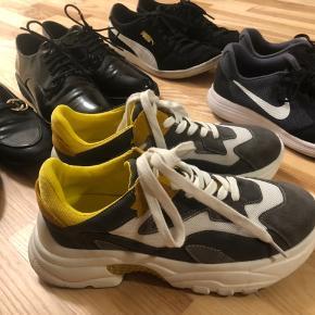 Flere forskellige slags sko.  Skriv for priser eller BYD 😊 Fitter alle en str. 40