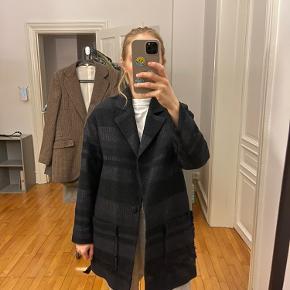 Hoss Intropia jakke
