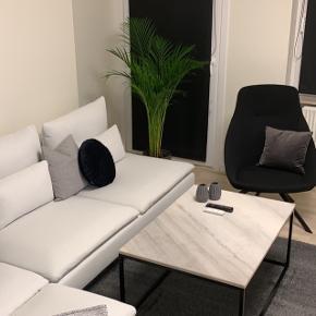 Sælger denne lækre loungestol fra Sinnerup. Np: 1000kr. Købt i oktober 2018, og fordi standen er som ny, er mindstepris: 700kr