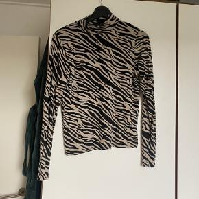 Gina Tricot top