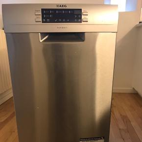 Sprit ny AEG opvaskemaskine..  købt for 4300kr. Sælges pga flytning  Prisen er ikke til forhandling. Har kvitteringen.