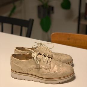 Nine West herre inspirerede sko. Brugt få gange.