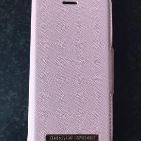 Ideal of Sweden cover i pink til IPhone 7  Nyt og ubrugt  Sælges for 200,-   Nypris 349,-  Jeg sender gerne på købers regning 40,-  8200 Aarhus N Læs mindre