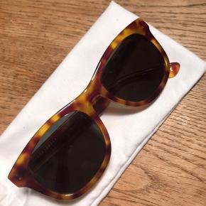 Helt nye solbriller fra han kjøbenhavn