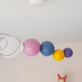 Den fineste loftslampe.  Så sød til børneværelset.