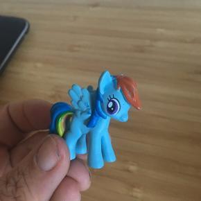 Rainbow dash My little pony -fast pris -køb 4 annoncer og den billigste er gratis - kan afhentes på Mimersgade 111 - sender gerne hvis du betaler Porto - mødes ikke - bytter ikke