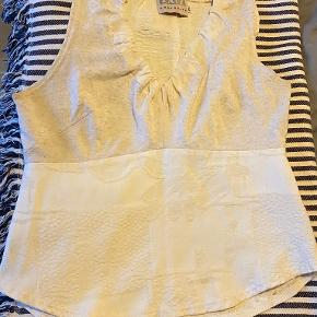 About Vintage top