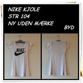 Nike kjole str 104 ny uden mærke