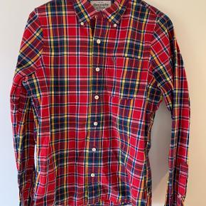 Rigtig fed Abercrombie skjorte i str. medium. Brugt meget lidt, kan desværre ikke passe den mere.