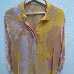 Skjorte ned 3/4 ærme i friske farver