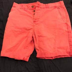 Shorts sælges billigt! Tag begge par for 80,-