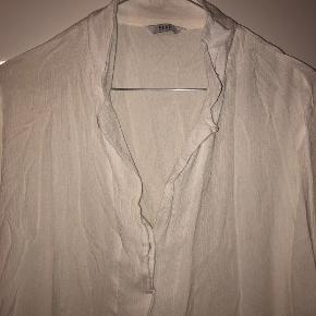 Hvid tynd skjorte fra Envii