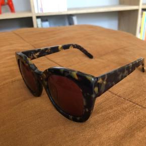 Fine og populære solbriller fra Ganni. Modellen Fay.  Kan sendes eller afhentes i Valby.