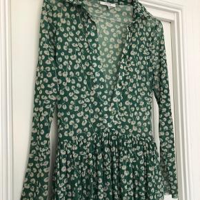 Smuk kjole fra Ganni Byd gerne