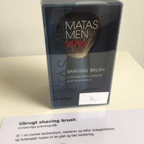 Shaving brush m/naturlige grævlingehår.  Nypris kr. 199,95