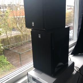 Byd gerne! Prisen kan forhandles.  Model NX-E400 højtalere Model RX-E400 radio. Har desværre ikke CD-afspilleren mere. Radioen har skrattet en smule, men måske det bare var antennen der skulle flyttes. Højtalerne fungerer virkelig godt. Ellers kan det sikkert laves, jeg har bare aldrig fået det gjort.
