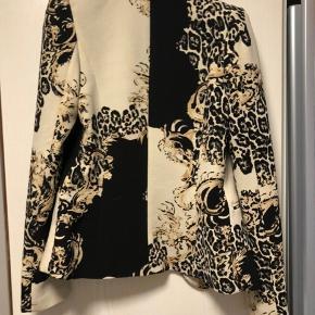 Rigtig flot jakke. BYD eller byt