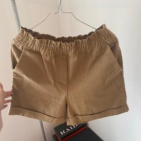 VILA shorts