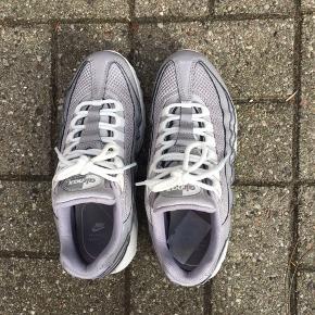 Str = 37,5   Nike Air Max 95  Nypris: 1400