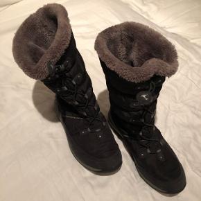 Meget fin og lidt brugt goretex støvle med for.