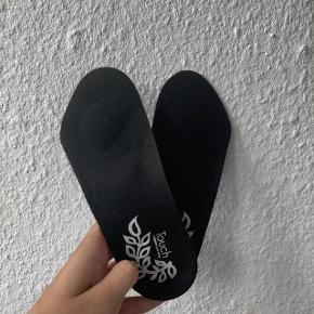 🌸 Dream feet memory foam indlægsåler i damestørrelse. Stødabsorberende. Brugt 1 gang, så fremstår som ny.🌸